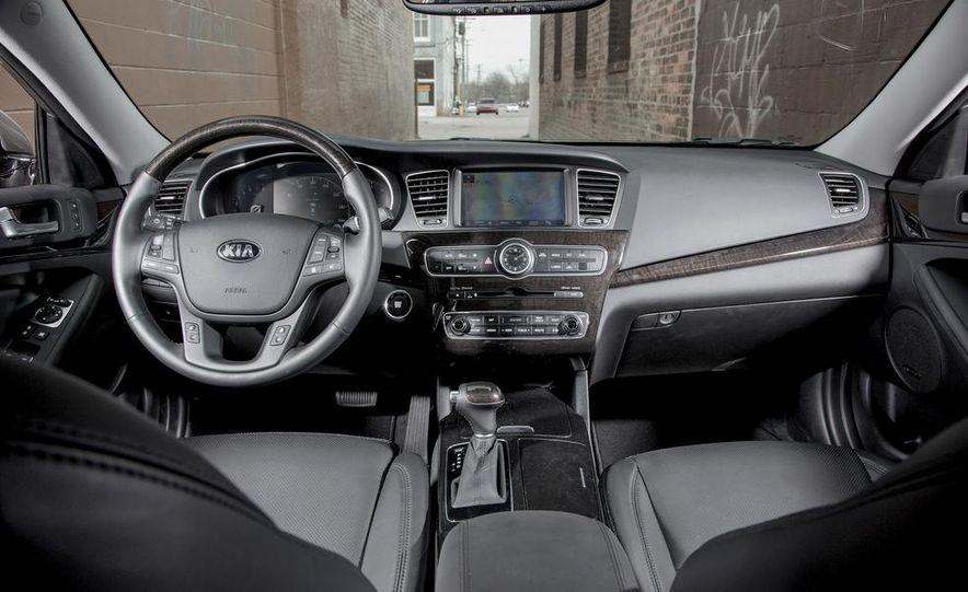 2013 Chrysler 300S - Slide 95