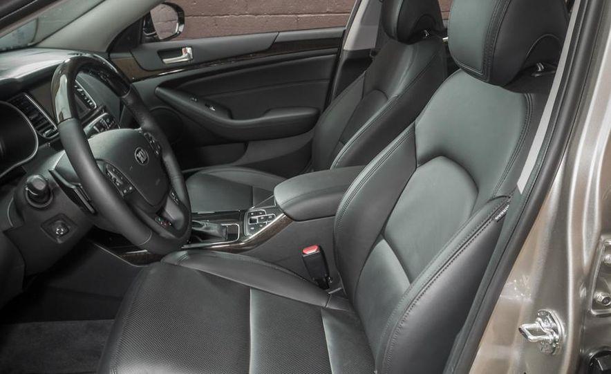 2013 Chrysler 300S - Slide 100
