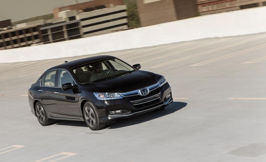 2014 Honda Accord hybrid - Slide 5