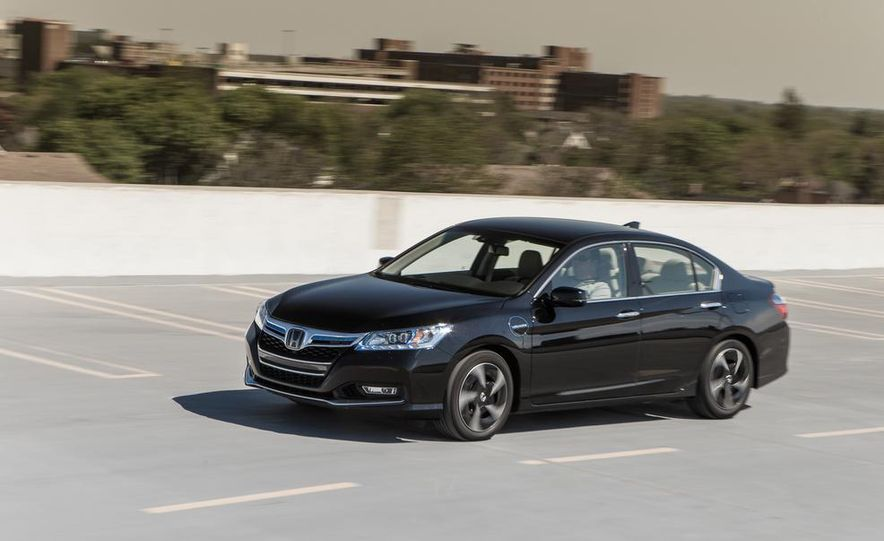 2014 Honda Accord hybrid - Slide 7