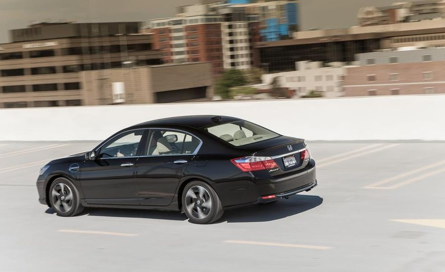 2014 Honda Accord hybrid - Slide 8