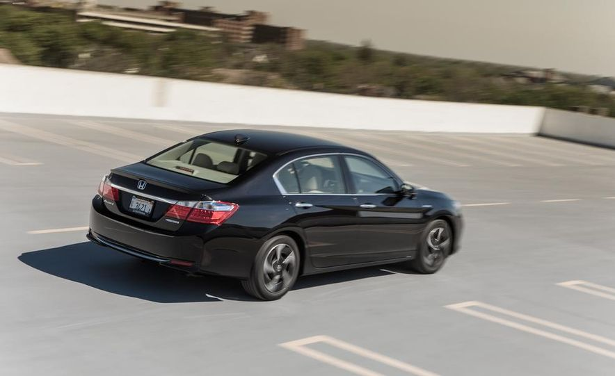 2014 Honda Accord hybrid - Slide 10