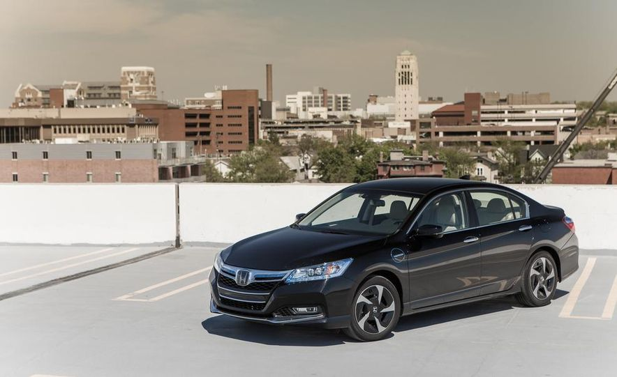 2014 Honda Accord hybrid - Slide 13
