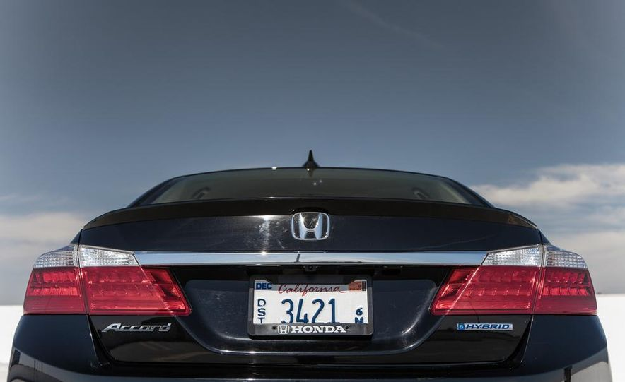 2014 Honda Accord hybrid - Slide 20