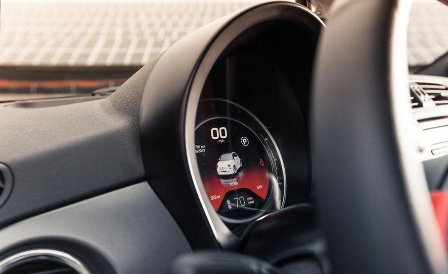 2013 Fiat 500e - Slide 28