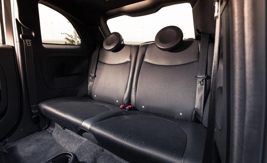 2013 Fiat 500e - Slide 21