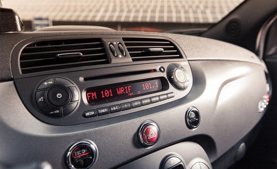 2013 Fiat 500e - Slide 25