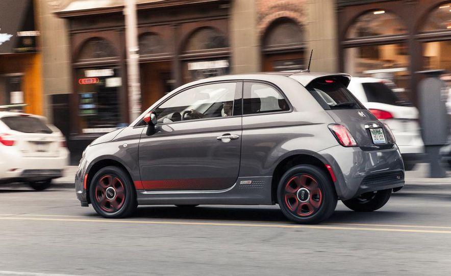 2013 Fiat 500e - Slide 4