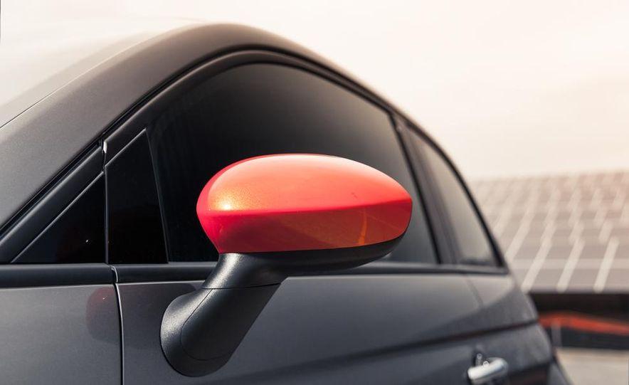 2013 Fiat 500e - Slide 14
