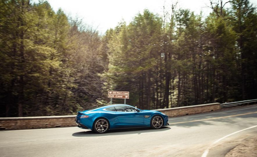 2014 Aston Martin Vanquish - Slide 10