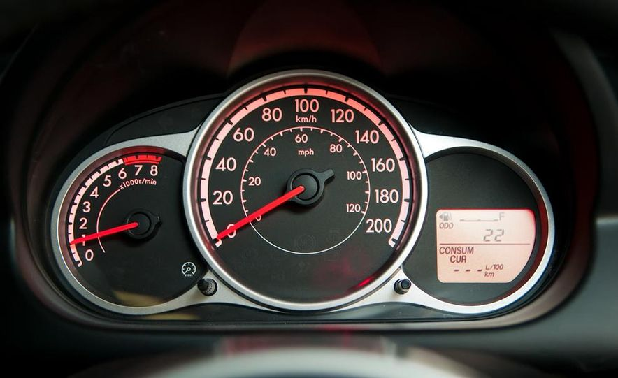 2011 Mazda 2 - Slide 10