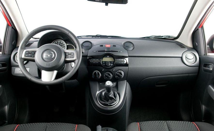 2011 Mazda 2 - Slide 5