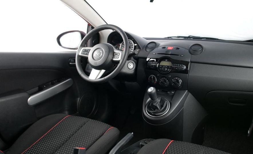2011 Mazda 2 - Slide 6