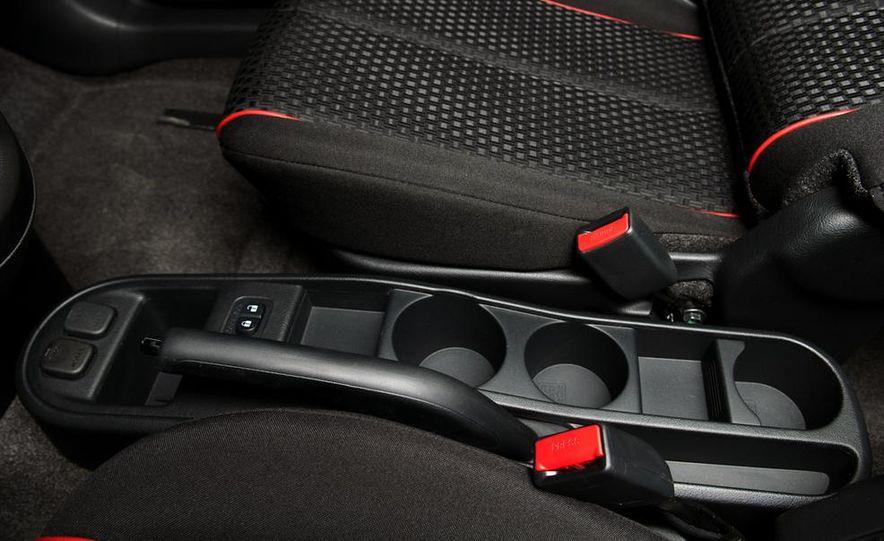 2011 Mazda 2 - Slide 8