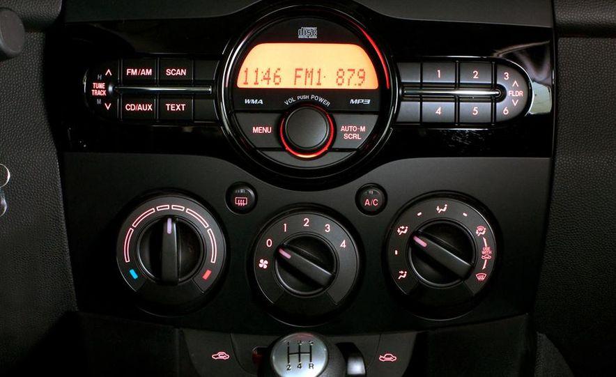 2011 Mazda 2 - Slide 9