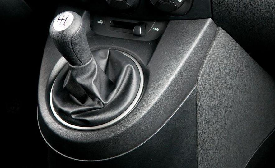2011 Mazda 2 - Slide 11