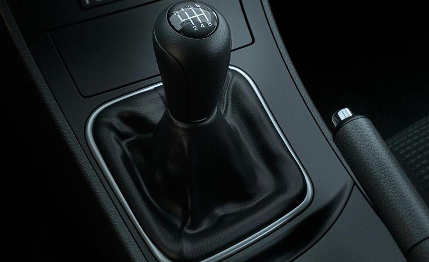 2011 Mazda 2 - Slide 18