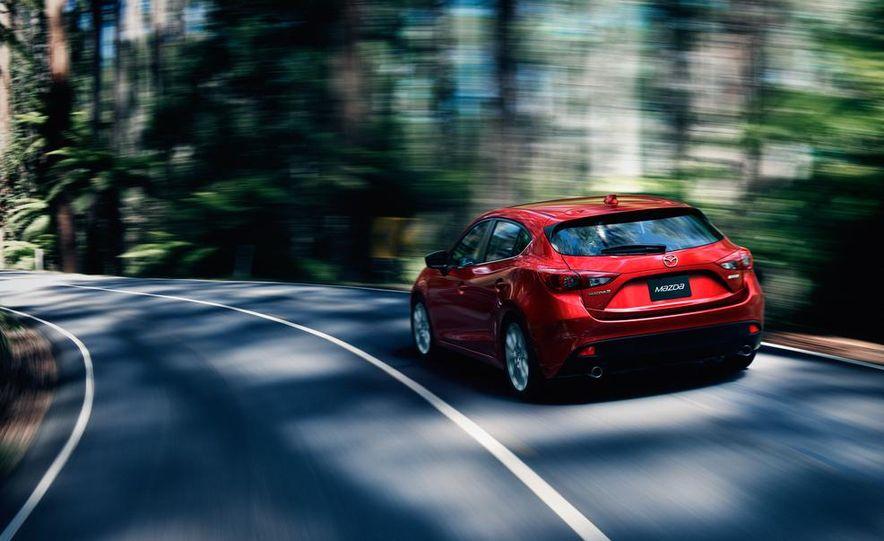 2014 Mazda 3 hatchback - Slide 1