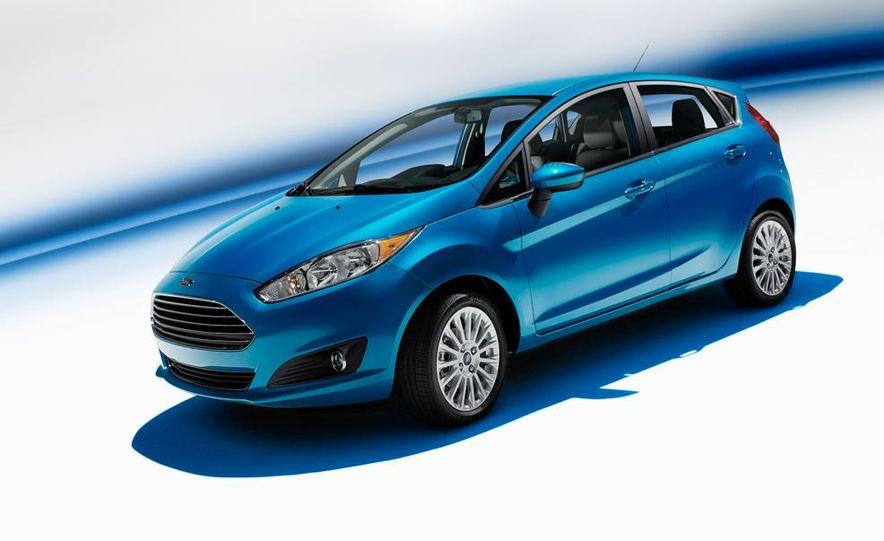 2014 Ford Fiesta Titanium 5-door - Slide 8
