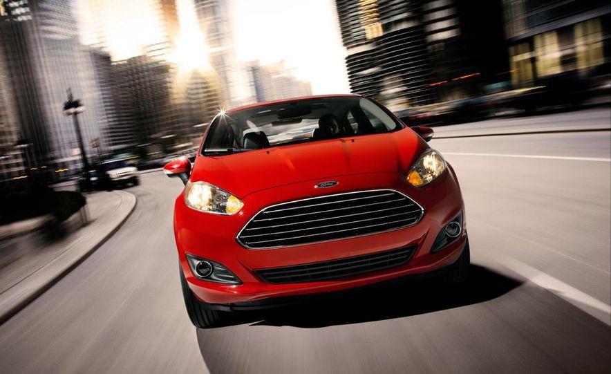 2014 Ford Fiesta Titanium 5-door - Slide 22