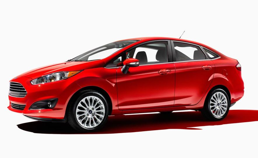 2014 Ford Fiesta Titanium 5-door - Slide 40