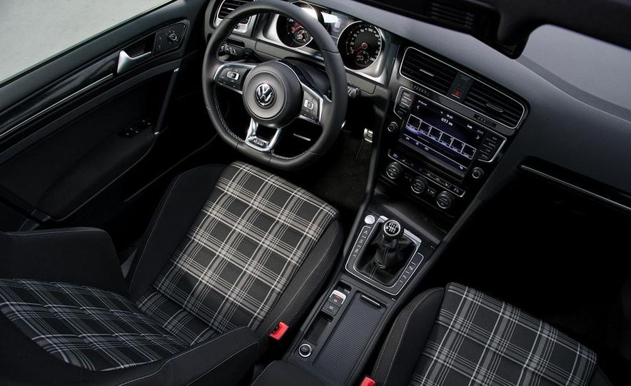 2014 Volkswagen Golf GTD - Slide 9