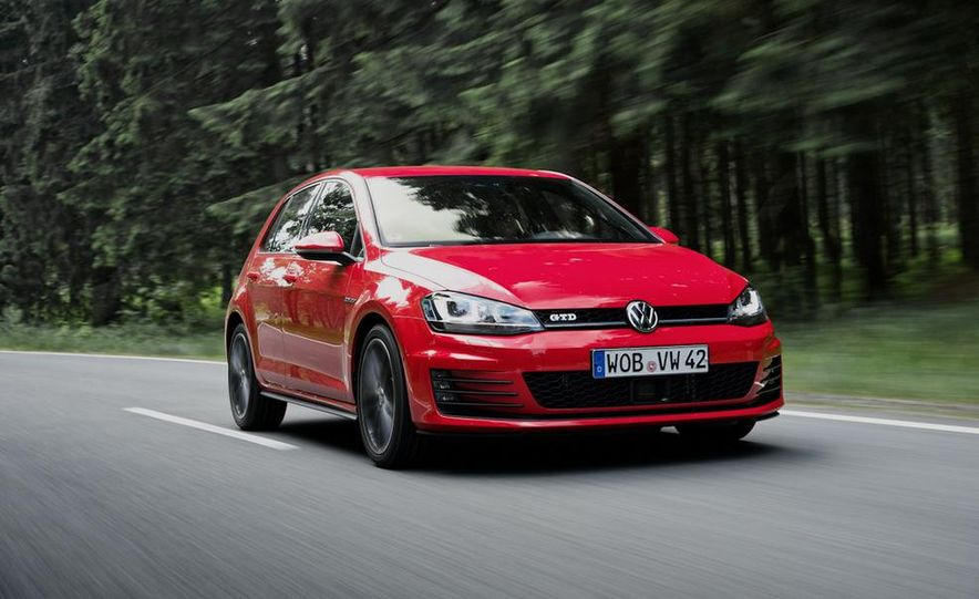 2014 Volkswagen Golf GTD - Slide 2