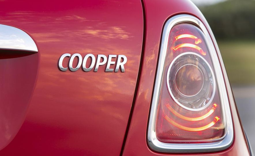 2014 Mini Coopers (spy photo) - Slide 32