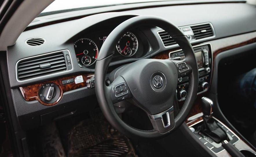 2013 Volkswagen Passat TDI SEL - Slide 31