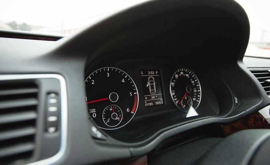 2013 Volkswagen Passat TDI SEL - Slide 34