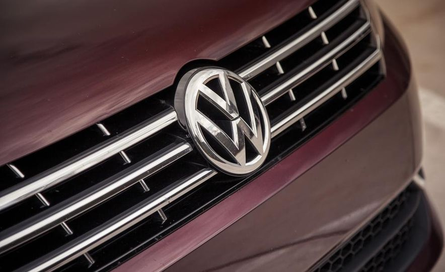 2013 Volkswagen Passat TDI SEL - Slide 51