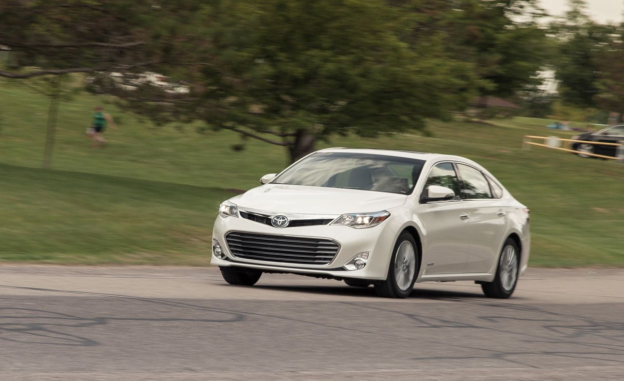 The 2019 Toyota Avalon Looks To Appeal To Late Blooming Boomers | Review |  Car And Driver