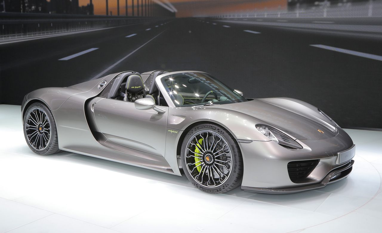 2015 porsche 918 spyder production spec photos and info news car and driver