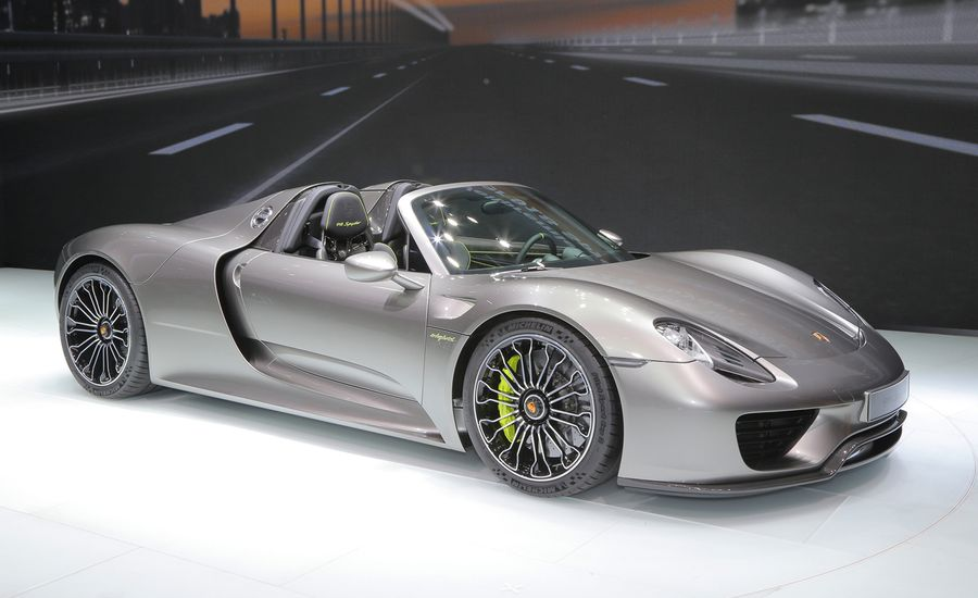 2015 porsche 918 spyder production spec photos and info news car and driver. Black Bedroom Furniture Sets. Home Design Ideas
