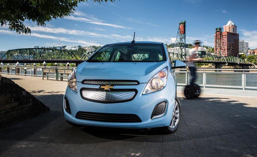 2014 Chevrolet Spark EV - Slide 17