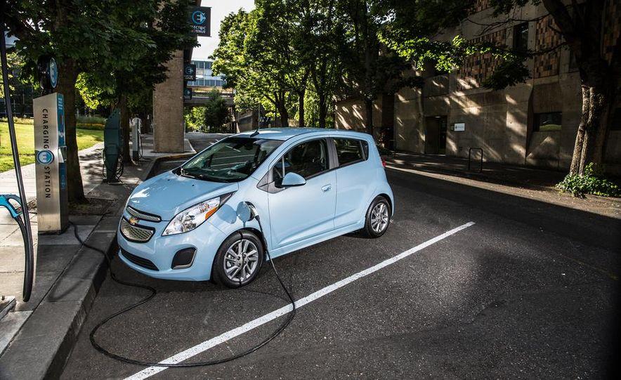 2014 Chevrolet Spark EV - Slide 21