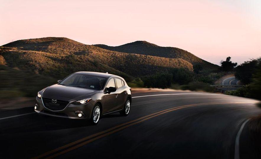 2014 Mazda 3 hatchback - Slide 7