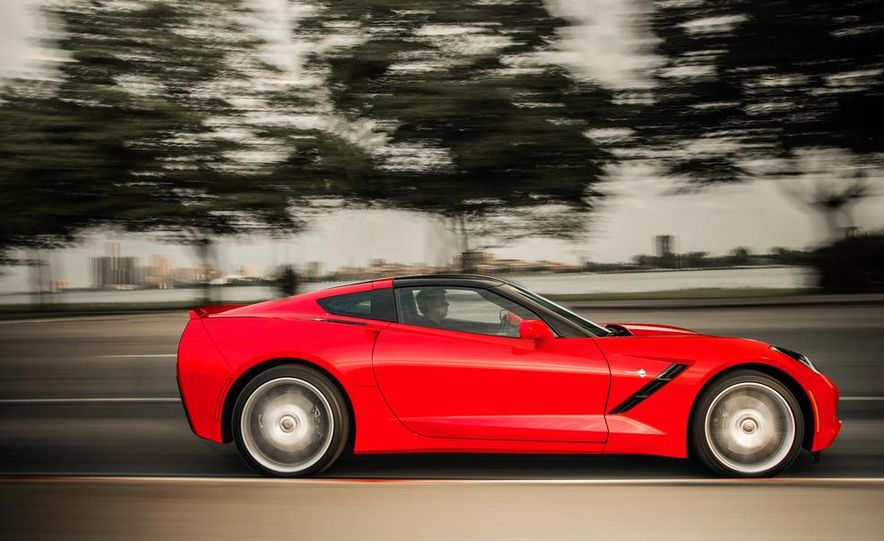 2014 Chevrolet Corvette Stingray - Slide 3