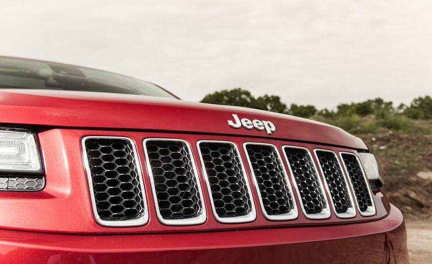 2014 Jeep Grand Cherokee Overland - Slide 12