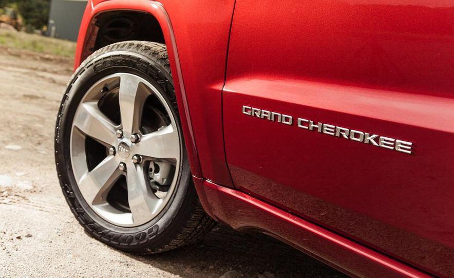 2014 Jeep Grand Cherokee Overland - Slide 14