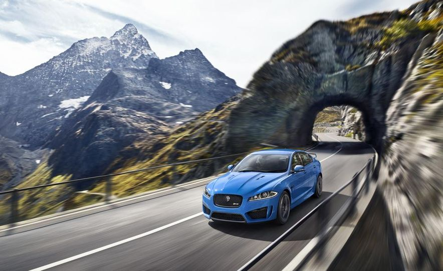 2015 Jaguar XFR-S Sportbrake (spy photo) - Slide 12