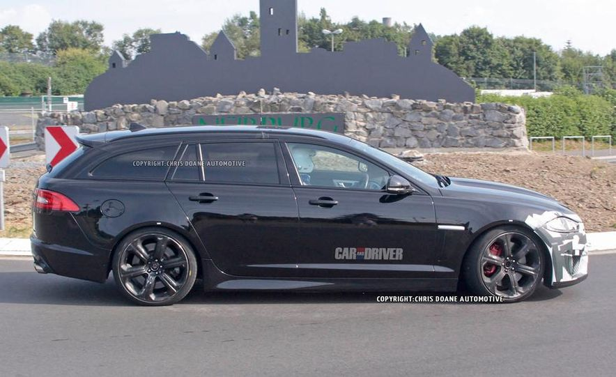 2015 Jaguar XFR-S Sportbrake (spy photo) - Slide 4