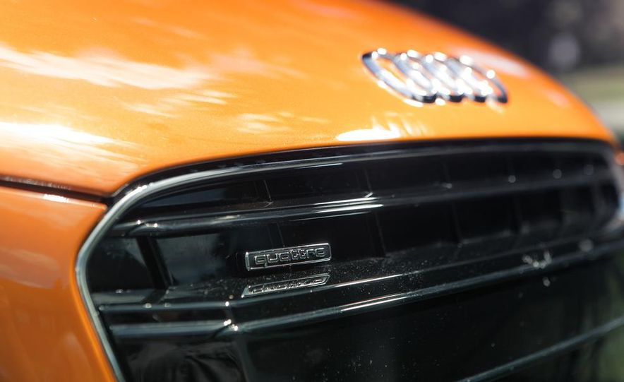 2014 Audi R8 4.2 Spyder DCT - Slide 14