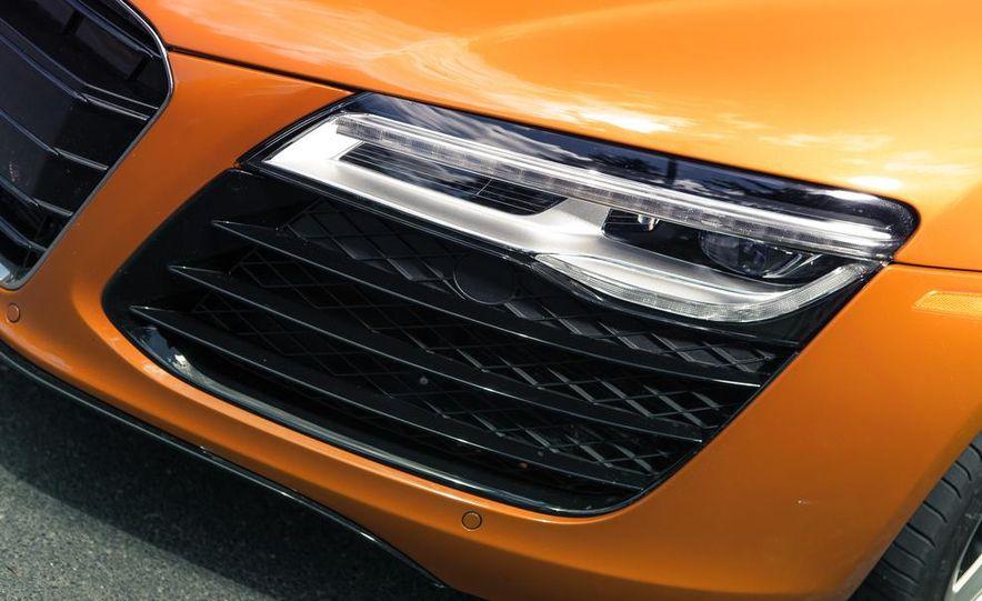 2014 Audi R8 4.2 Spyder DCT - Slide 12