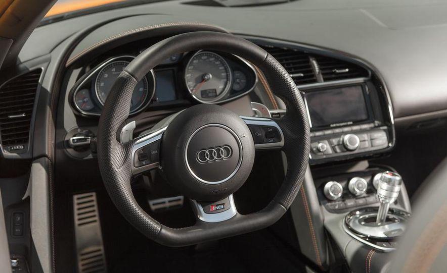 2014 Audi R8 4.2 Spyder DCT - Slide 22
