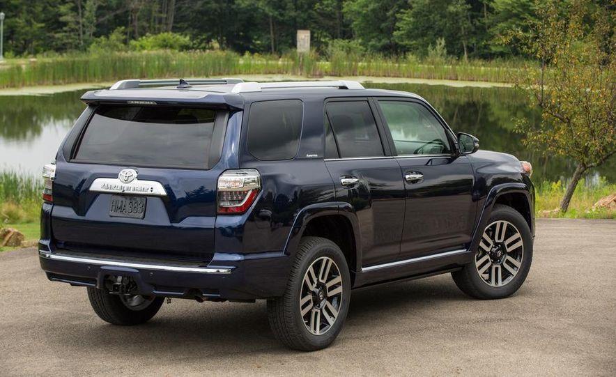 2014 Toyota 4Runner Limited - Slide 3