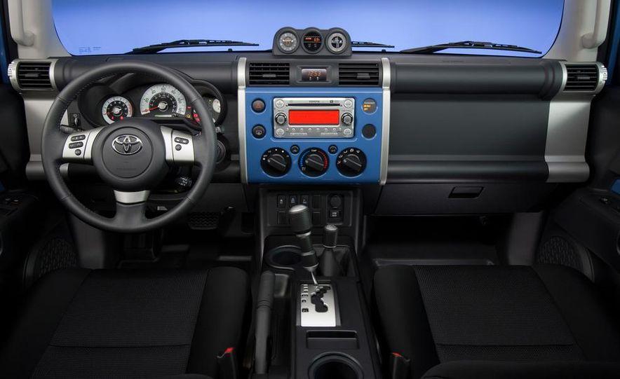 2014 Toyota 4Runner Limited - Slide 34