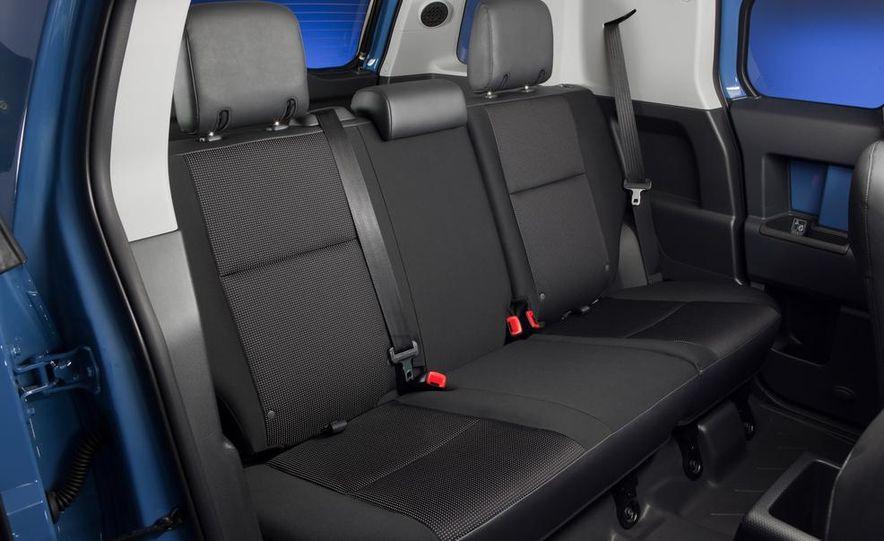 2014 Toyota 4Runner Limited - Slide 35