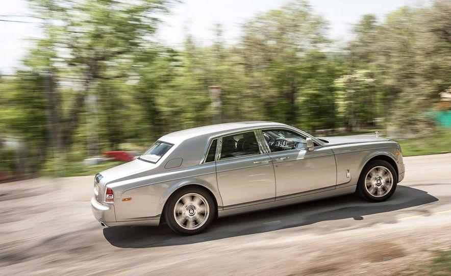 2014 Rolls-Royce Ghost - Slide 6
