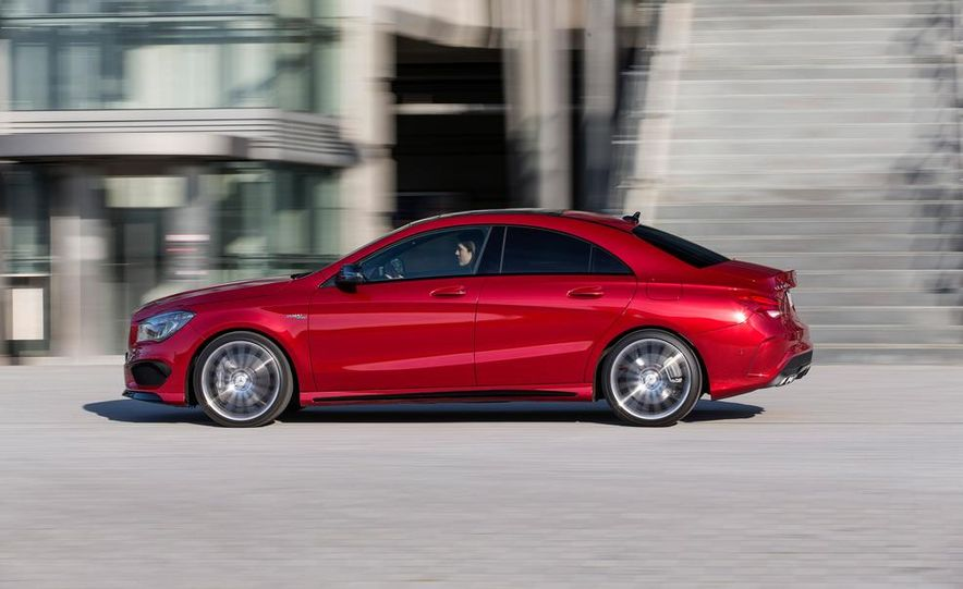 2014 Mercedes-Benz B-Class Electric Drive - Slide 10